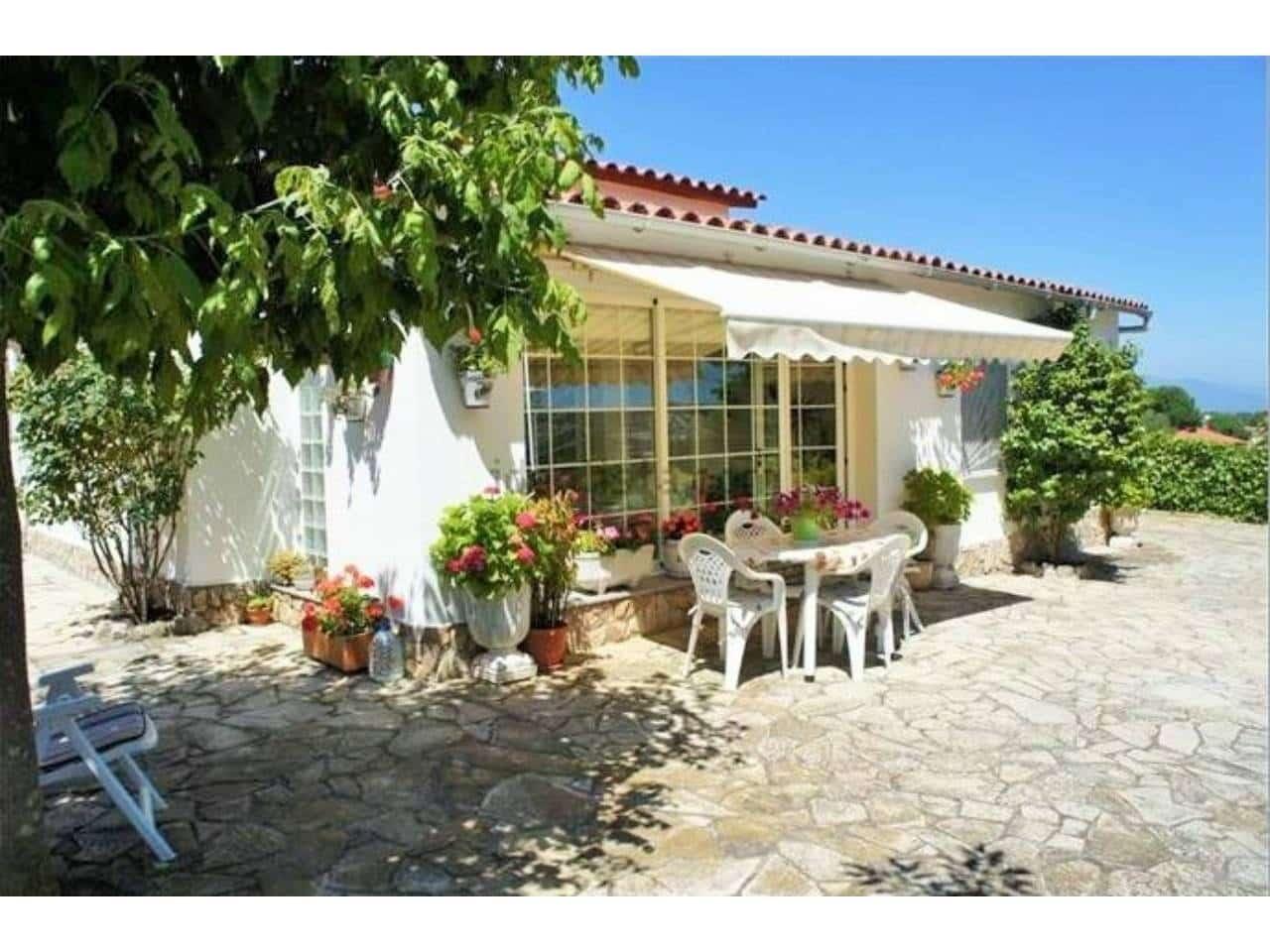 3 sypialnia Dom na sprzedaż w Macanet de la Selva z basenem garażem - 150 000 € (Ref: 5101972)