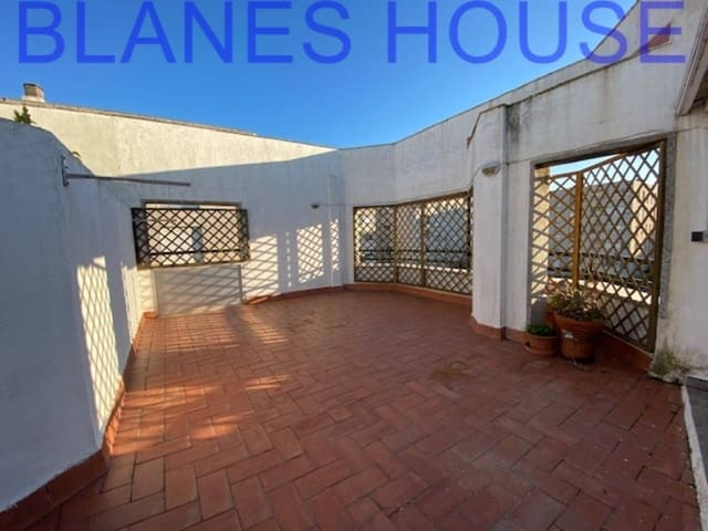 3 soveværelse Penthouse til salg i Blanes med garage - € 199.000 (Ref: 5102329)