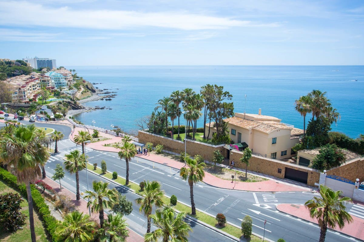 2 bedroom Penthouse for sale in Benalmadena with pool garage - € 379,000 (Ref: 5125513)