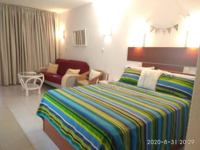 1 slaapkamer Studio voor vakantieverhuur in Puerto Rico met zwembad - € 600 (Ref: 5973944)