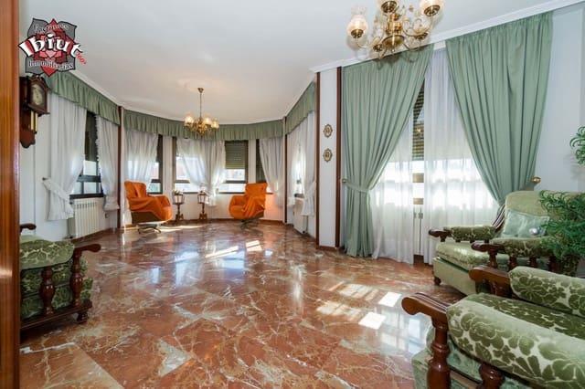 2 Zimmer Wohnung zu verkaufen in Ubeda mit Pool Garage - 128.000 € (Ref: 5247341)