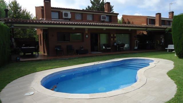 Chalet de 4 habitaciones en Calafell en venta con piscina garaje - 370.000 € (Ref: 5150935)