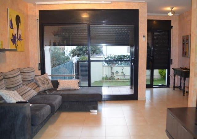 4 chambre Villa/Maison Mitoyenne à vendre à Cunit avec piscine garage - 242 000 € (Ref: 5150946)