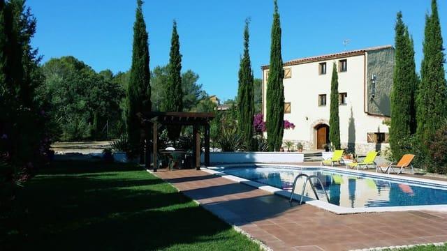 8 Zimmer Villa zu verkaufen in La Bisbal del Penedes mit Pool Garage - 575.000 € (Ref: 5150963)
