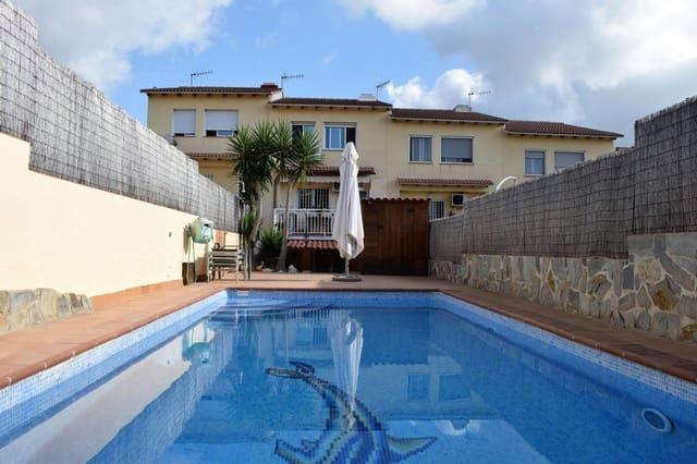 4 soverom Rekkehus til salgs i Calafell med svømmebasseng garasje - € 270 000 (Ref: 5548856)