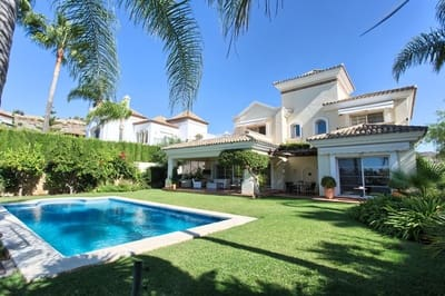 4 bedroom Villa for sale in La Quinta with pool garage - € 1,750,000 (Ref: 5203656)