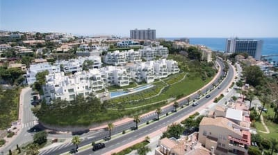 3 bedroom Apartment for sale in Torrequebrada with pool - € 478,100 (Ref: 5211903)