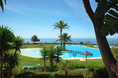 2 bedroom Apartment for sale in Cabopino with pool - € 750,000 (Ref: 5214504)