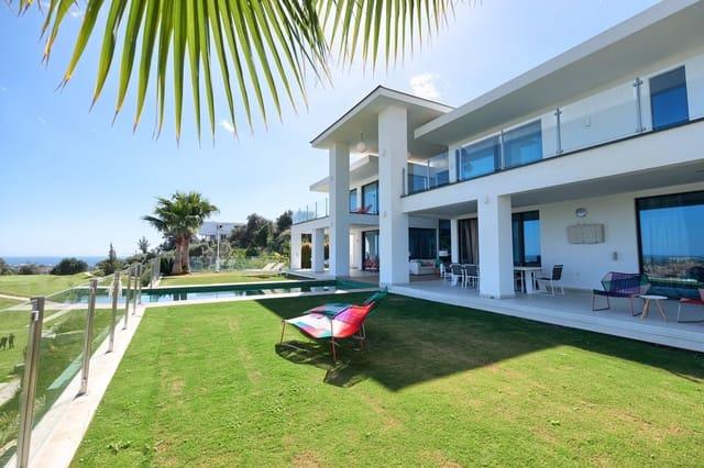 4 bedroom Villa for sale in Benahavis with pool garage - € 2,950,000 (Ref: 5617835)