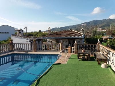 2 bedroom Villa for sale in Alora with pool garage - € 169,500 (Ref: 5202973)