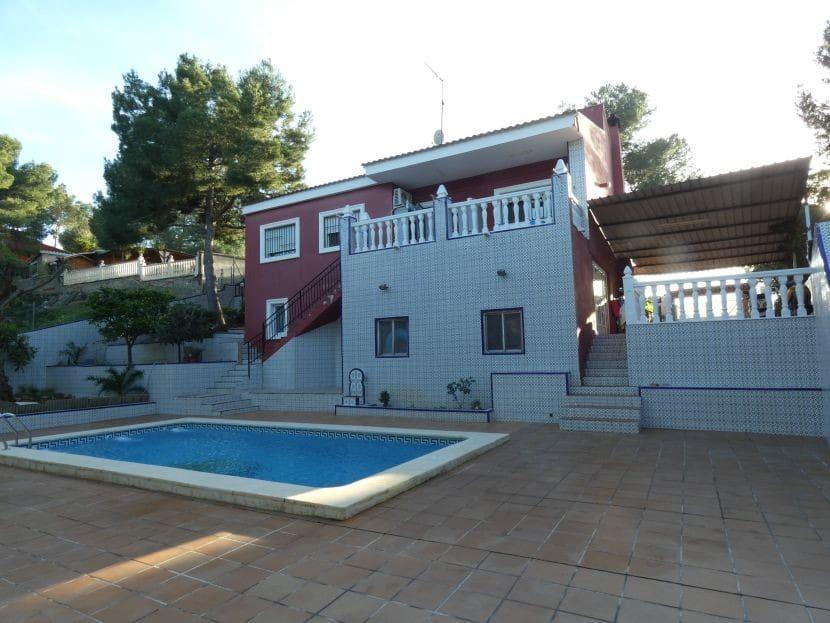 Chalet de 4 habitaciones en Vilamarxant / Villamarchante en venta con piscina - 239.000 € (Ref: 5195017)