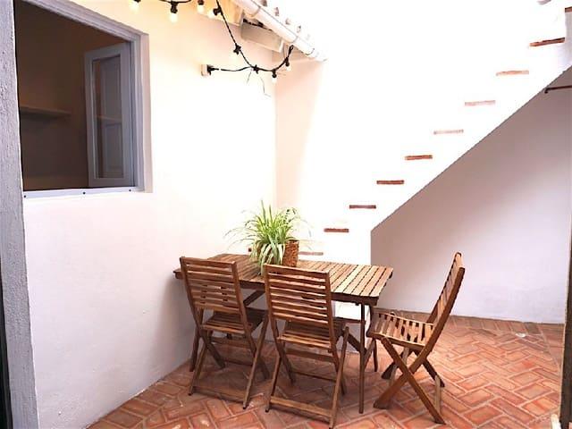 3 Zimmer Haus zu verkaufen in Valencia Stadt mit Pool - 325.000 € (Ref: 5248870)