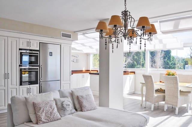 3 quarto Penthouse para venda em Marbella com piscina - 899 000 € (Ref: 5547653)