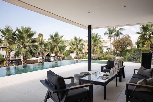 7 makuuhuone Huvila myytävänä paikassa Marbella mukana uima-altaan - 5 300 000 € (Ref: 5547750)