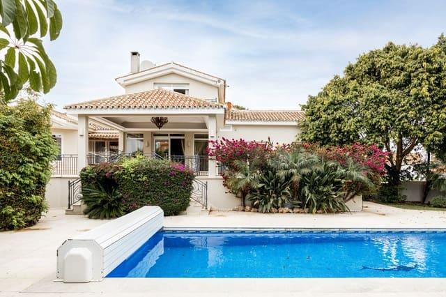 4 quarto Moradia para venda em La Duquesa / Puerto de la Duquesa com piscina - 795 000 € (Ref: 6233345)