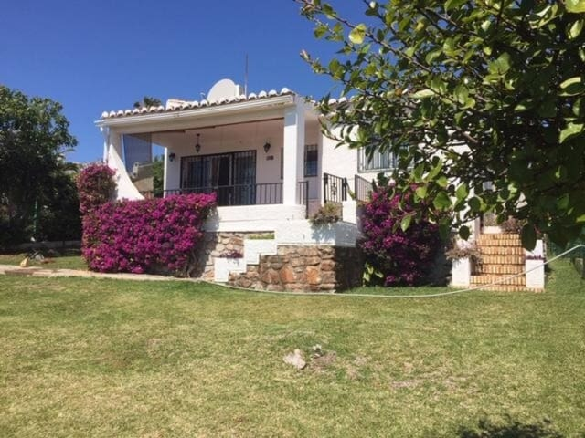 2 bedroom Bungalow for sale in La Cala de Mijas with pool - € 269,000 (Ref: 5419654)