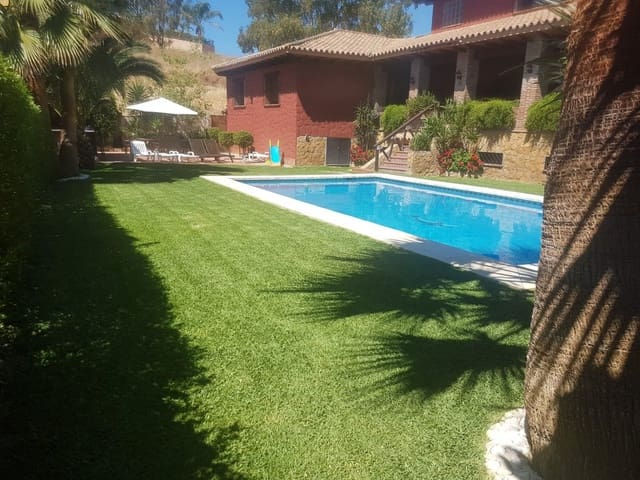 4 bedroom Villa for holiday rental in La Sierrezuela with pool - € 2,700 (Ref: 5419738)