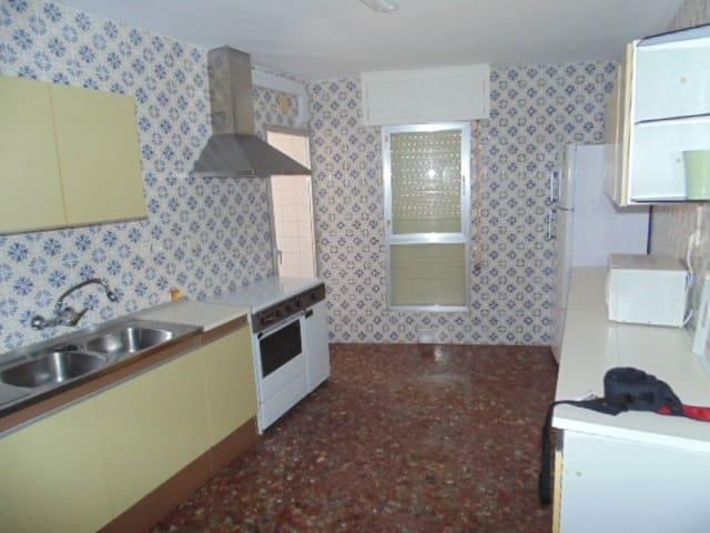 4 bedroom Flat for sale in Almeria city - € 189,000 (Ref: 6182939)