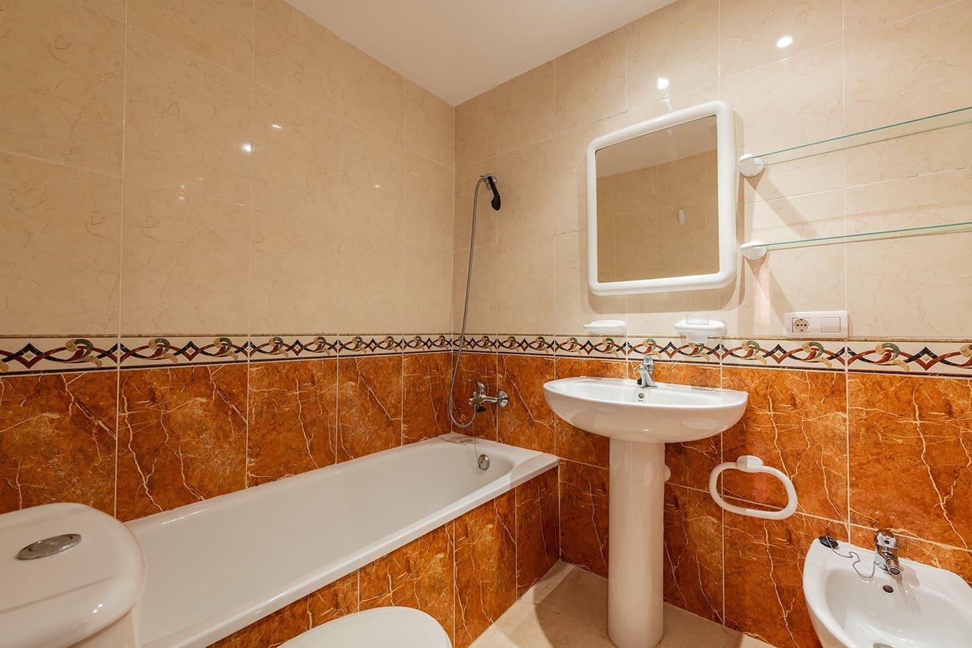 3 chambre Appartement à vendre à Oropesa  avec piscine garage - 150 000 € (Ref: 5216765)