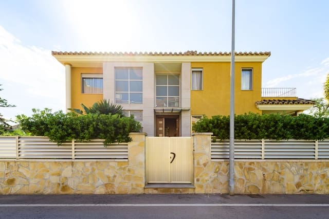 5 makuuhuone Huvila myytävänä paikassa Benicassim mukana uima-altaan  autotalli - 685 000 € (Ref: 6401718)