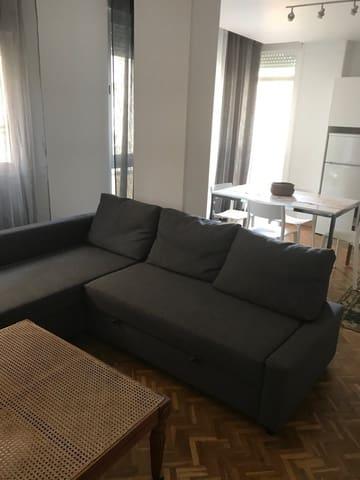 2 slaapkamer Appartement te huur in Algeciras - € 675 (Ref: 5564830)