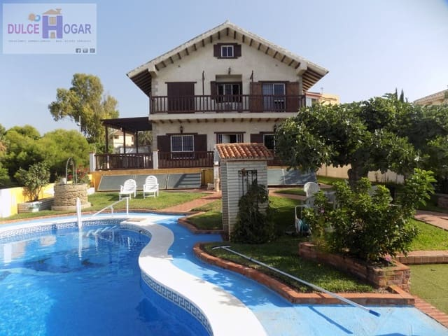 8 chambre Maison de Ville à vendre à La Cala del Moral avec garage - 440 000 € (Ref: 5233653)
