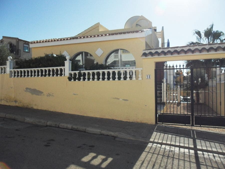 2 bedroom Villa for holiday rental in Camposol with pool - € 420 (Ref: 5219638)