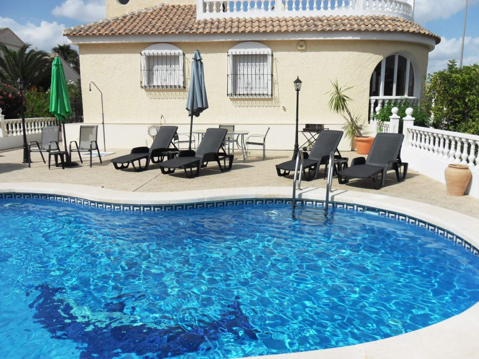 3 bedroom Villa for holiday rental in Camposol with pool - € 420 (Ref: 5221386)