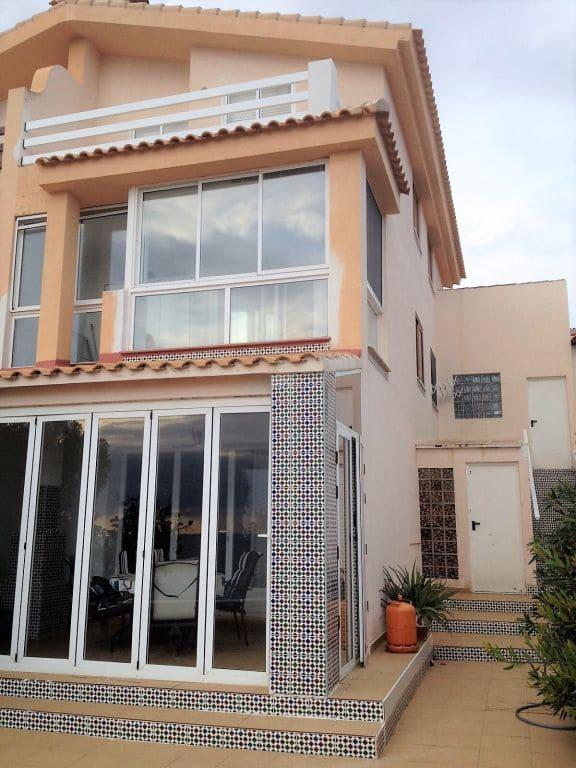 4 slaapkamer Rijtjeshuis te huur in Gran Alacant met zwembad garage - € 1.000 (Ref: 5221599)