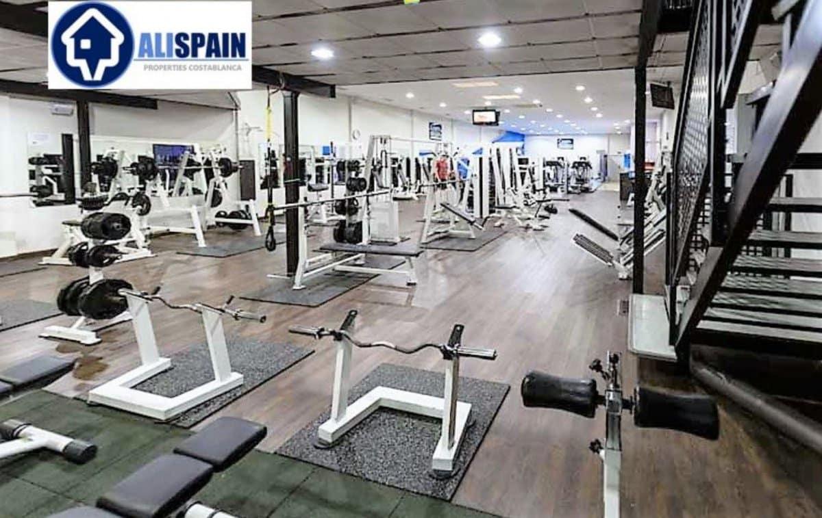 Commercieel te huur in Alicante stad - € 9.000 (Ref: 5221648)