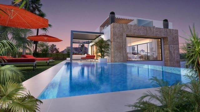 5 bedroom Villa for sale in Marbella del Este with pool - € 1,950,000 (Ref: 5903278)