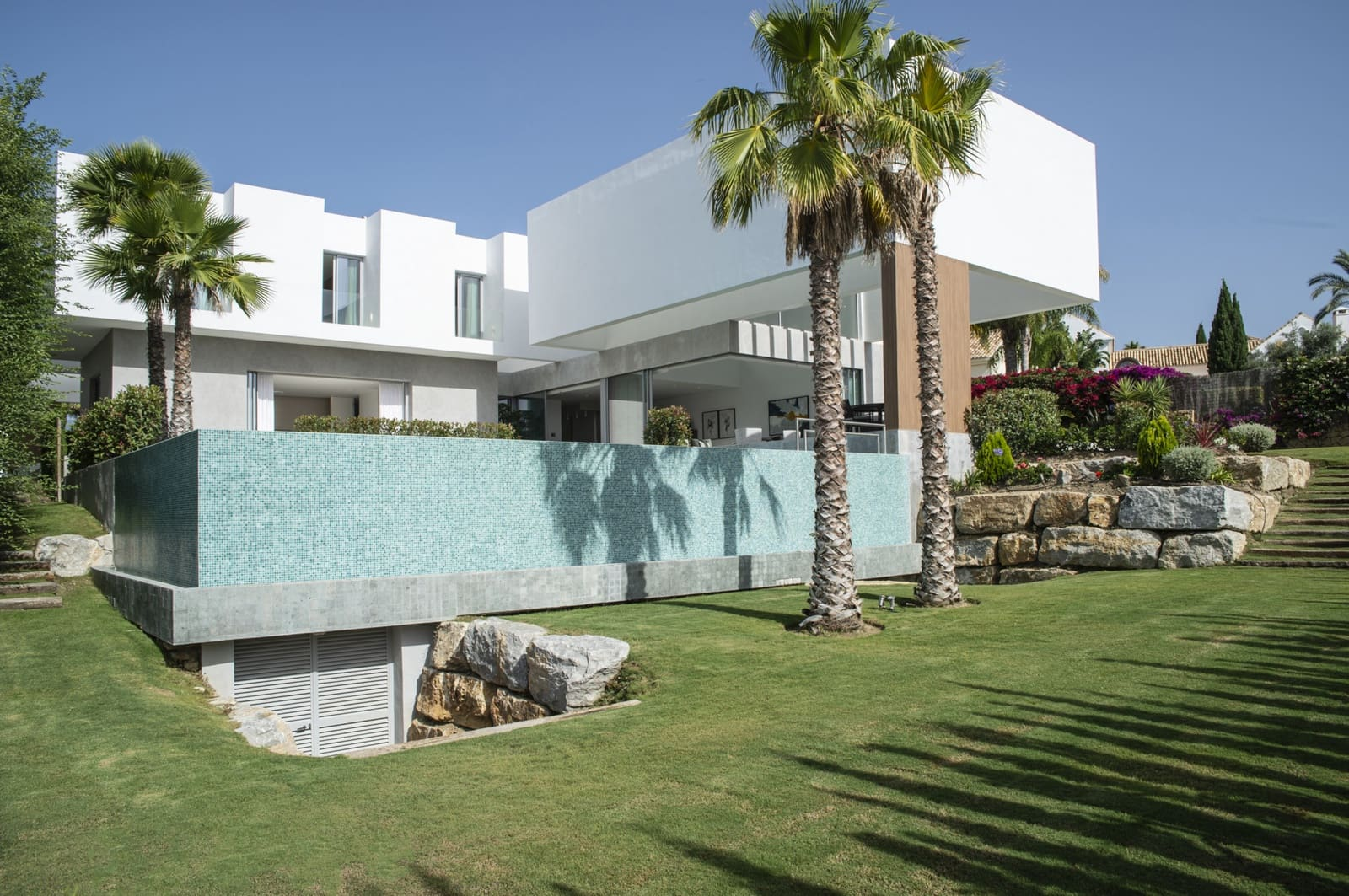 5 bedroom Villa for sale in Benahavis with pool - € 3,200,000 (Ref: 5958977)