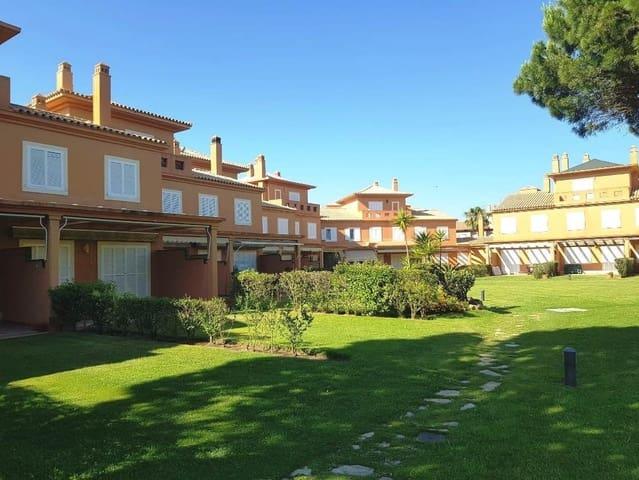 2 bedroom Terraced Villa for sale in Novo Sancti Petri with pool - € 325,000 (Ref: 6182996)