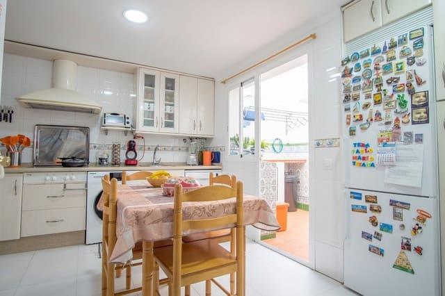 4 bedroom Terraced Villa for sale in San Fernando with garage - € 210,000 (Ref: 6183014)