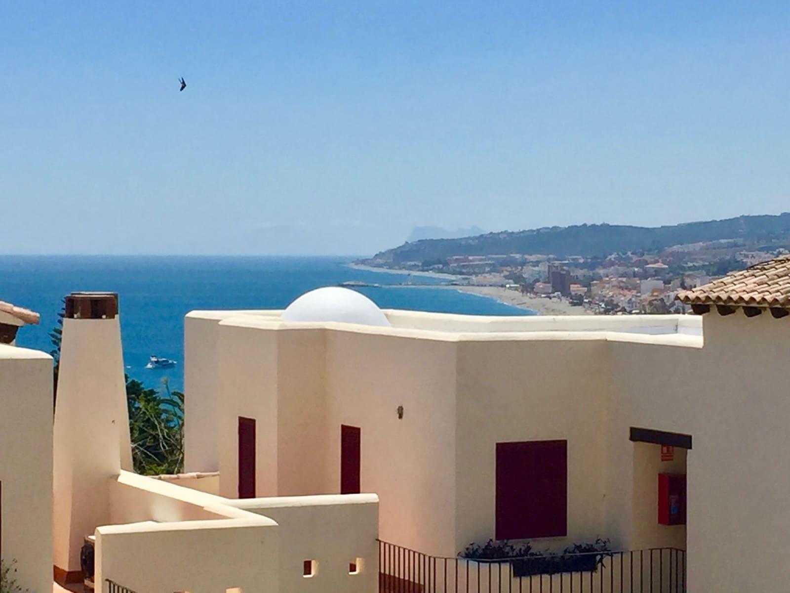 3 slaapkamer Penthouse te huur in Estepona met zwembad - € 1.600 (Ref: 5278844)