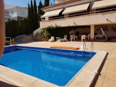 5 bedroom Villa for sale in Isla Plana with pool garage - € 660,000 (Ref: 5285884)