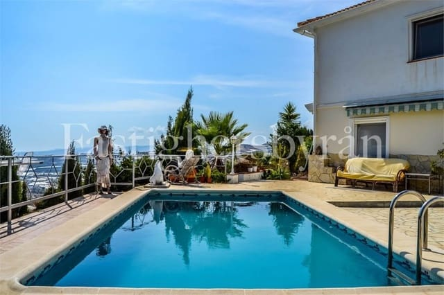 3 bedroom Villa for sale in Lagos with pool - € 420,000 (Ref: 5316443)