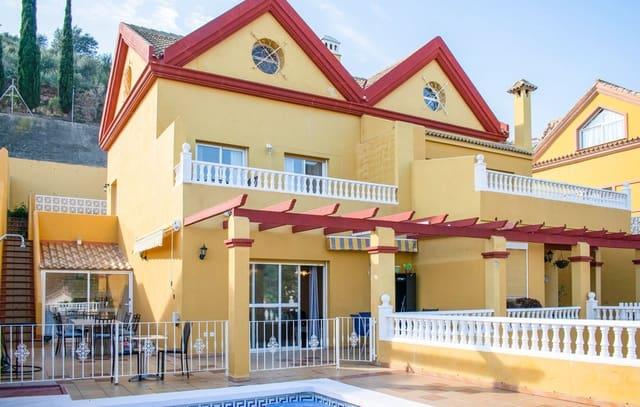 4 sypialnia Dom szeregowy do wynajęcia w Benalmadena z garażem - 2 500 € (Ref: 5938585)