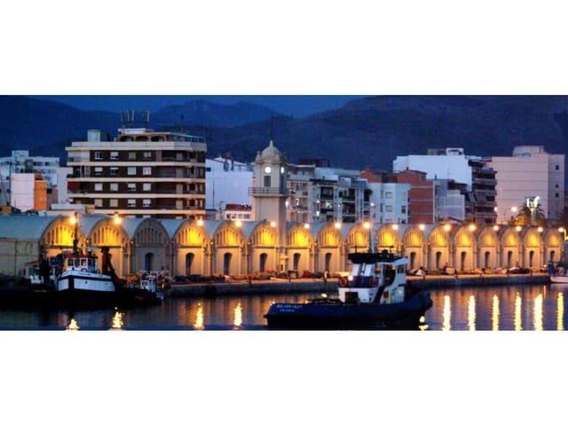 Local Comercial de 10 habitaciones en Gandia en venta - 980.000 € (Ref: 5377744)