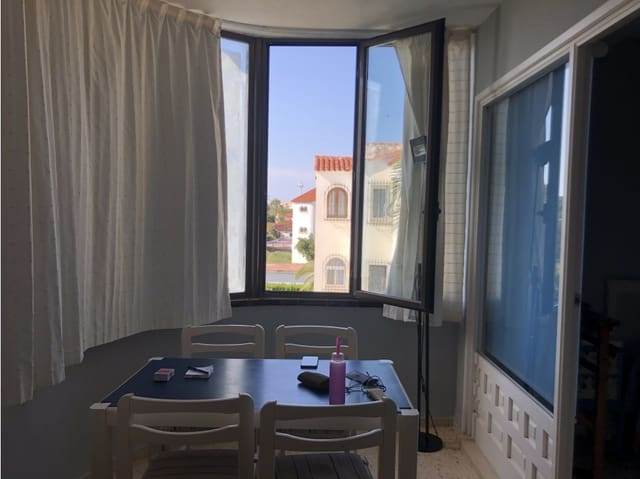 1 soveværelse Studio til salg i Denia med swimmingpool - € 72.000 (Ref: 5476373)