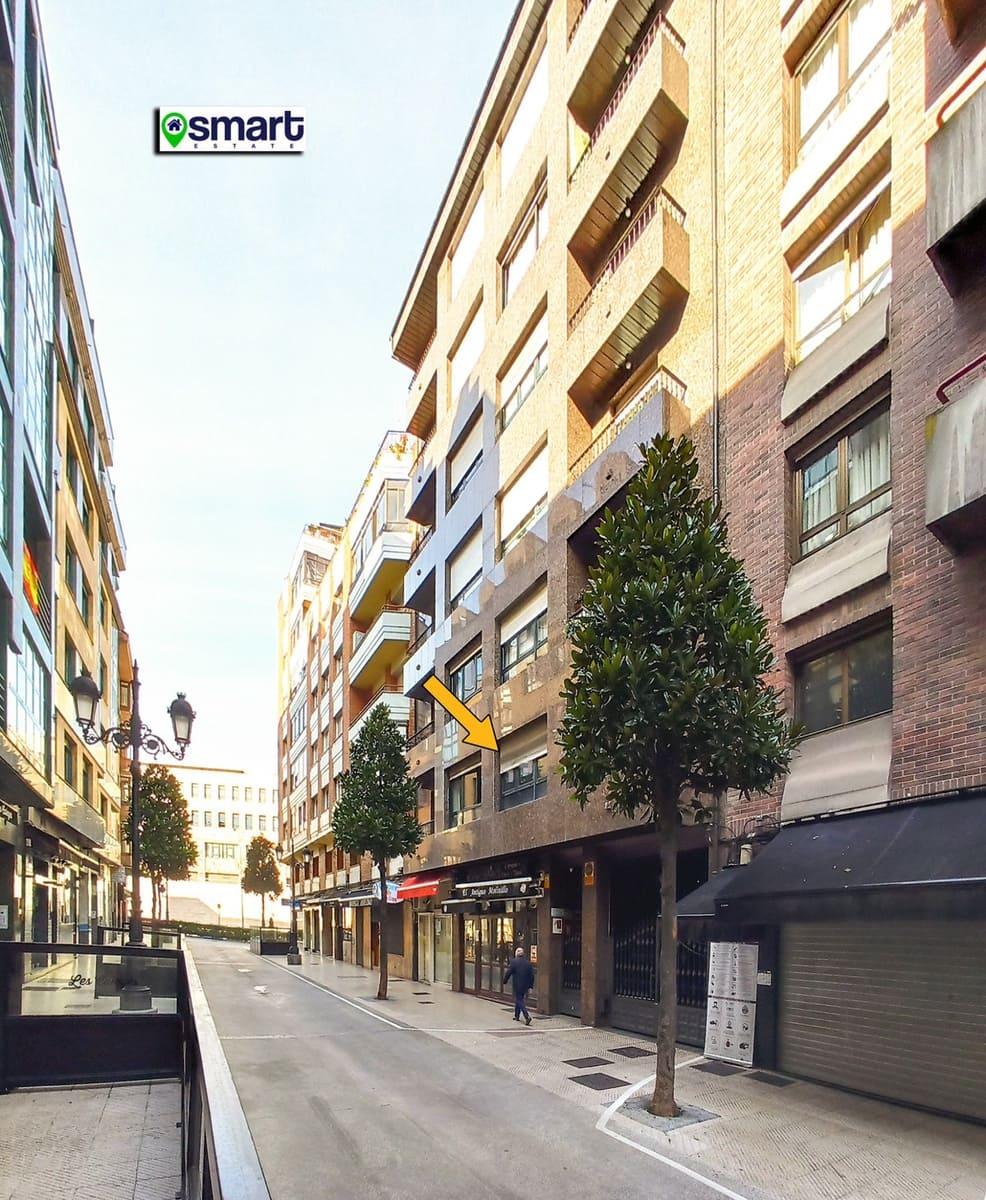 Oficina de 2 habitaciones en Oviedo en venta con garaje - 135.000 € (Ref: 5718392)