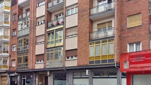 4 soveværelse Lejlighed til salg i El Entrego med garage - € 67.000 (Ref: 5718394)