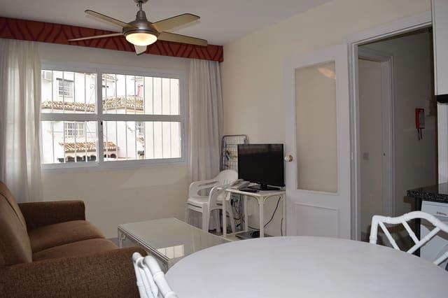 2 soveværelse Lejlighed til leje i Sitio de Calahonda med swimmingpool - € 700 (Ref: 5973566)