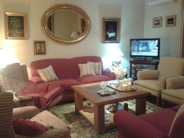 4 sypialnia Dom blizniak na sprzedaż w Espartinas z garażem - 252 000 € (Ref: 5556208)