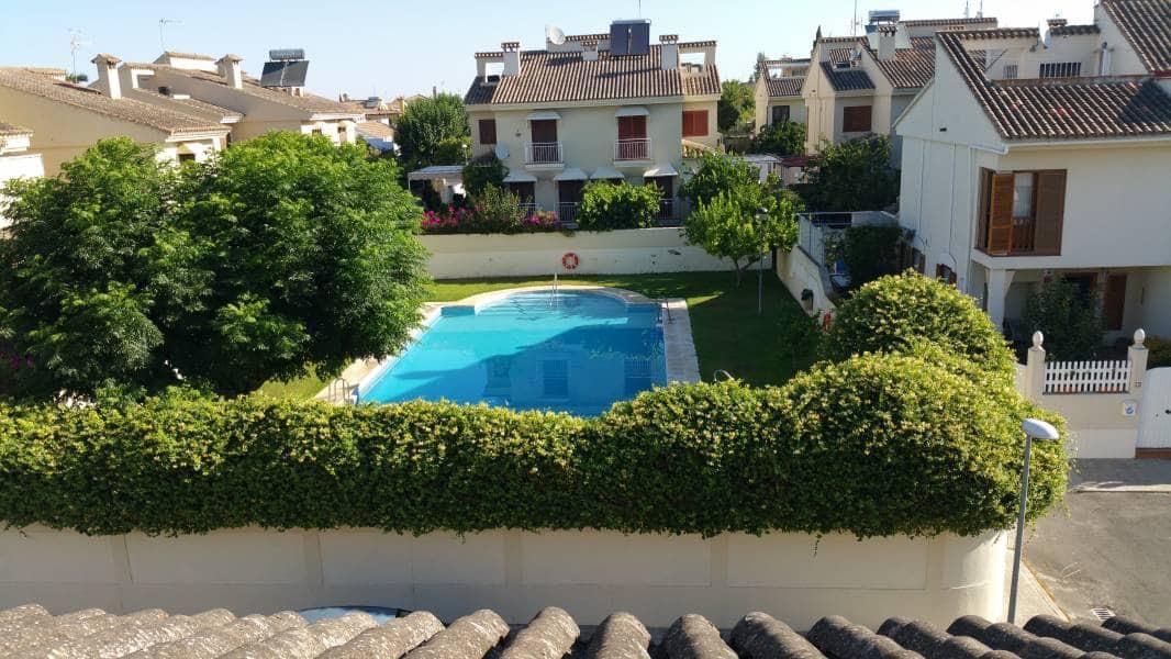 5 chambre Villa/Maison Semi-Mitoyenne à vendre à Valencina de la Concepcion avec piscine - 250 000 € (Ref: 5556234)