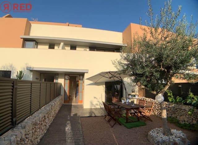 3 soveværelse Rækkehus til salg i Es Castell med garage - € 340.000 (Ref: 6170558)