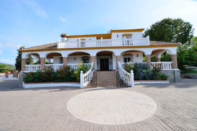 11 bedroom Finca/Country House for sale in Arriate with pool garage - € 745,000 (Ref: 5452938)