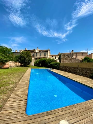 Chalet de 3 habitaciones en Darnius en venta con piscina garaje - 650.000 € (Ref: 5706125)