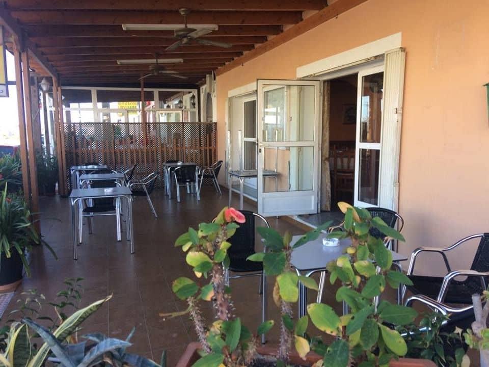 Hotel de 9 habitaciones en Turre en venta - 459.000 € (Ref: 5440727)