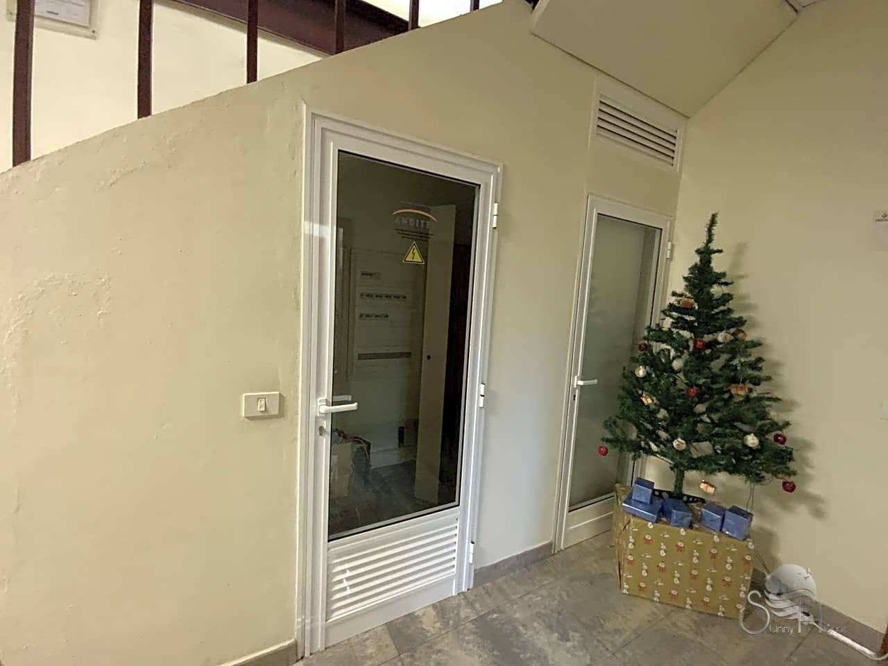 5 chambre Local Commercial à vendre à Santa Cruz de Tenerife - 462 000 € (Ref: 5943311)